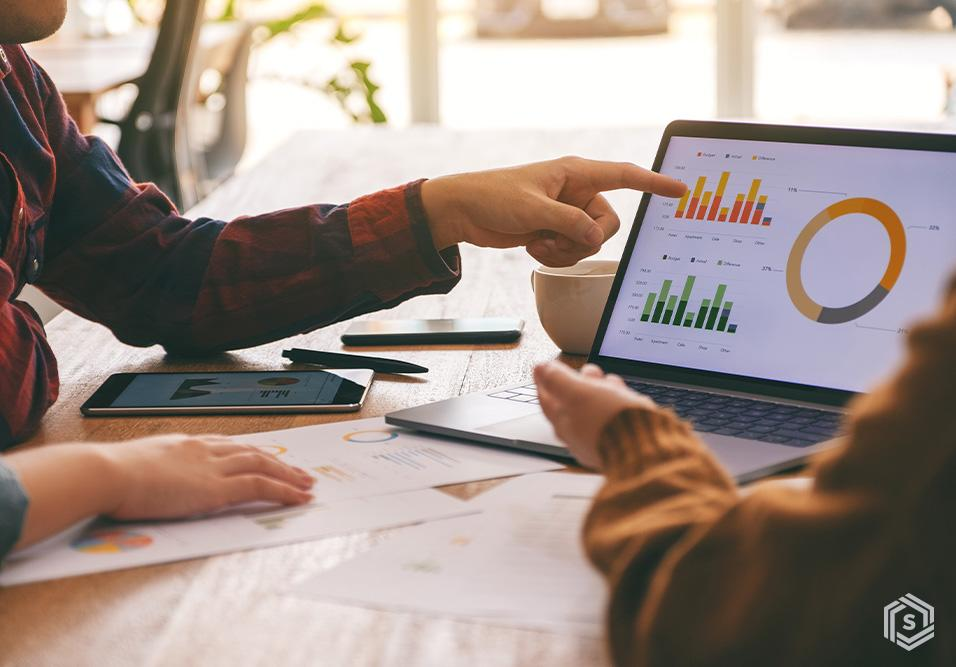 Mais de 2 mil síndicos confirmam que digitalização, home office e conveniência vieram para ficar. Colaboração aumentou e o barulho lidera reclamações