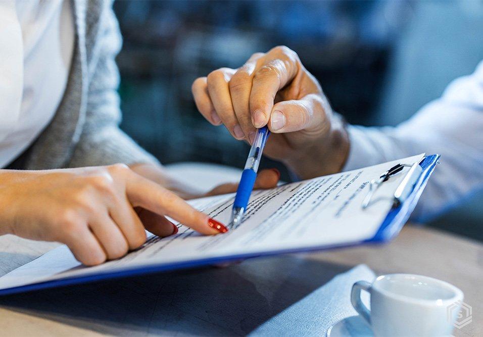 Confira motivos e dicas para negociar com os prestadores de serviços do seu condomínio o reajuste de contratos a partir da inflação