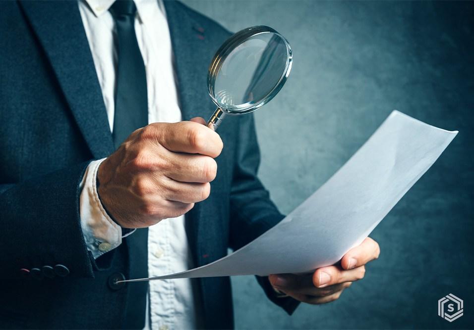 Especialistas esclarecem os principais pontos para você decidir se vale a pena, e em que momento, contratar um auditor