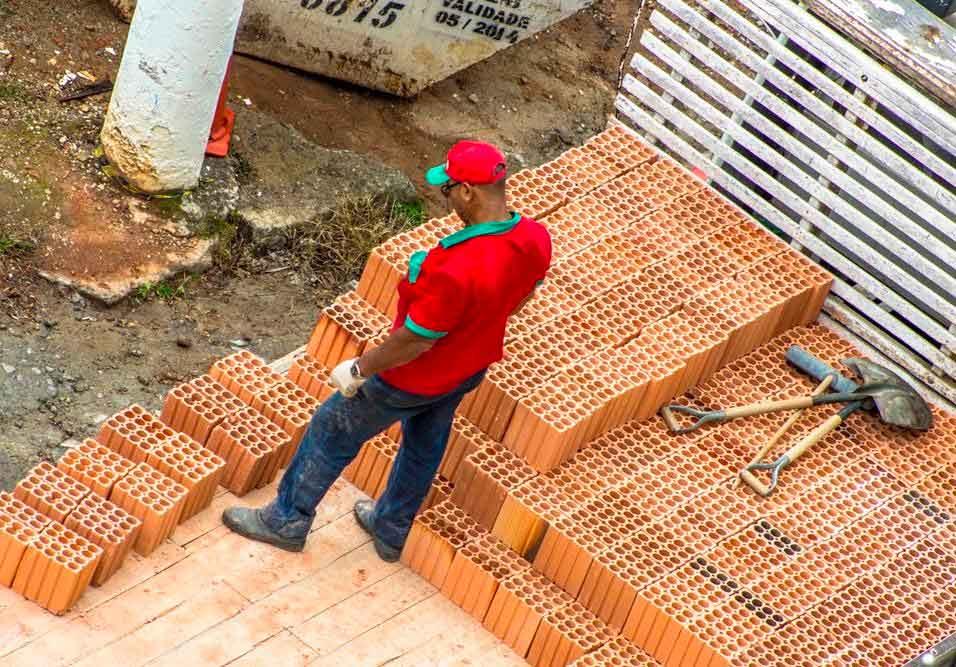 Ação judicial ou denúncia podem barrar construção que não segue recomendações estipuladas pela administração local