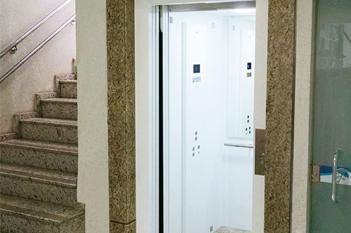 Foto - Precisando instalar um elevador de qualidade? Conheça nosso Elevador EL600 e se surpreenda!