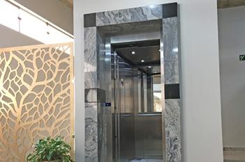 Foto - Precisando instalar um elevador de qualidade? Conheça nosso Elevador EL1200H e se surpreenda!